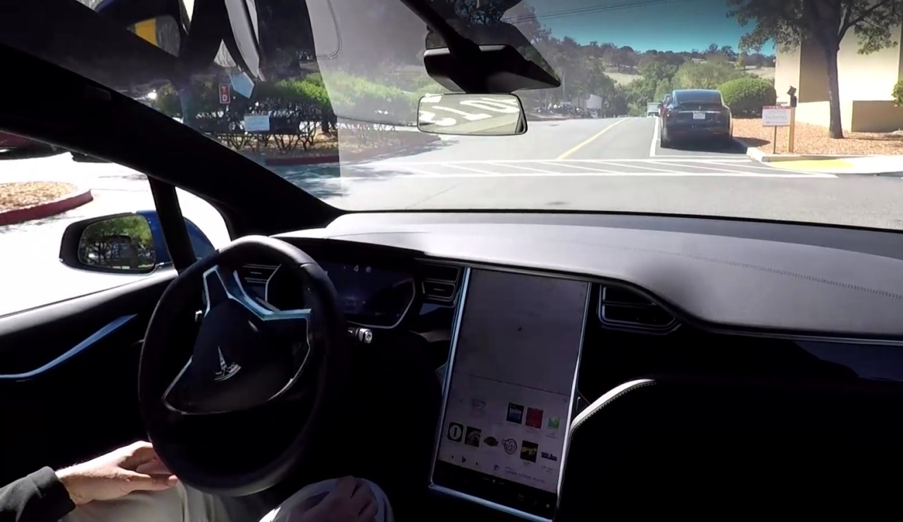 Роботизированная система управления: Tesla меняет представление о беспилотных автомобилях