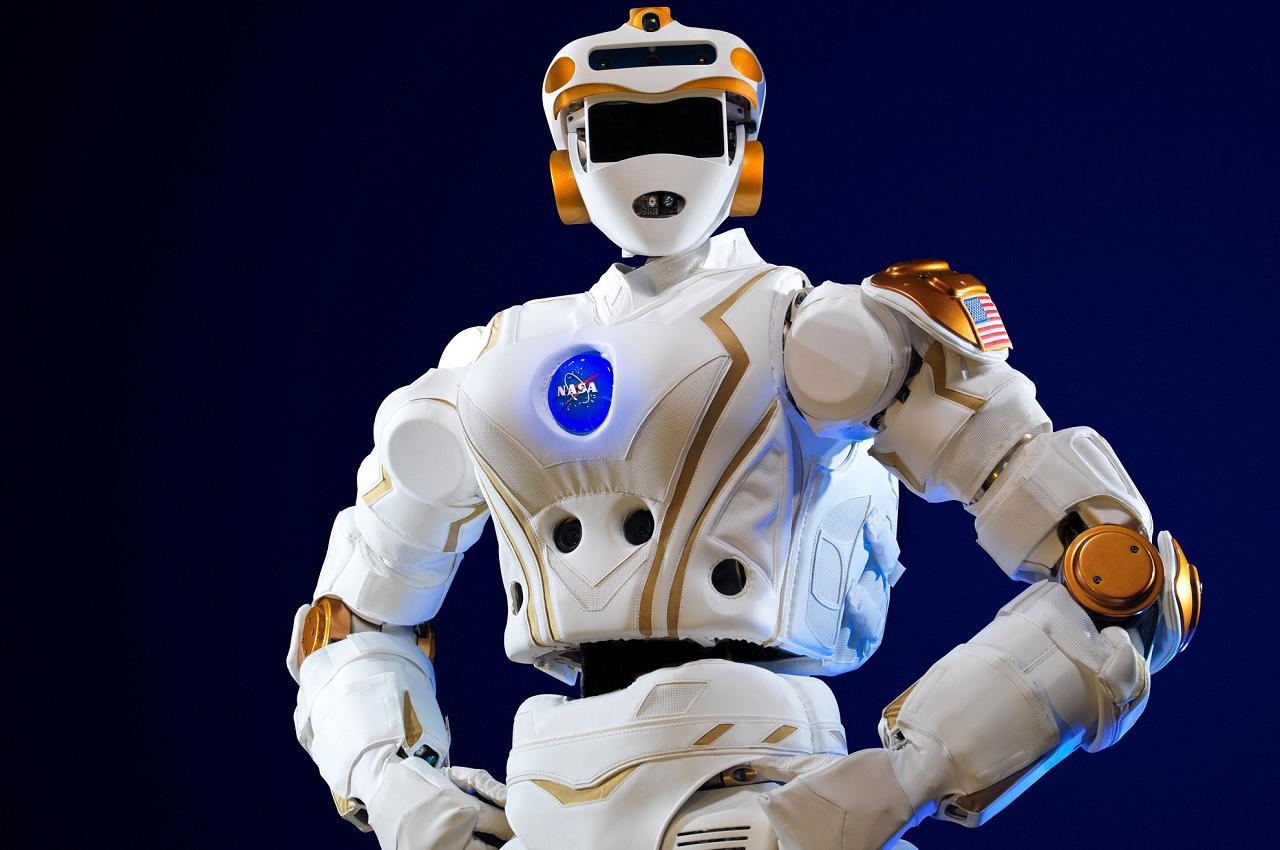 «Ещё та Валькирия!»: в NASA испытали двуногого робота