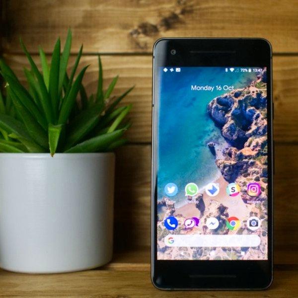 Samsung, Tesla, энергетика, смартфон, автомобиль, Дайте две: Google выпустила обновление Android 8.1 beta