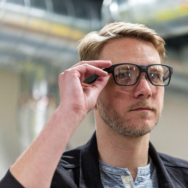 идея, концепция, дизайн, очки, Intel показала «умные» очки, которые выглядят как обычные очки