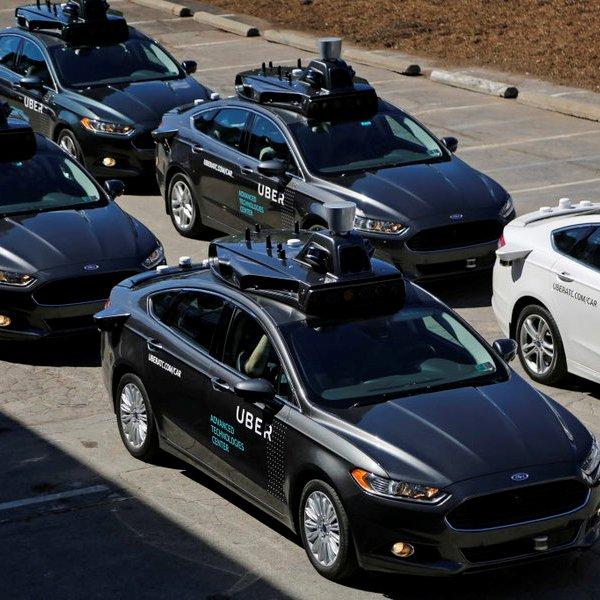 Uber,автомобили,беспилотник, Беспилотный автомобиль насмерть сбил пешехода: это конец?
