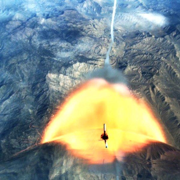 авиация,космос, Virgin Galactic испытала пилотируемый космоплан